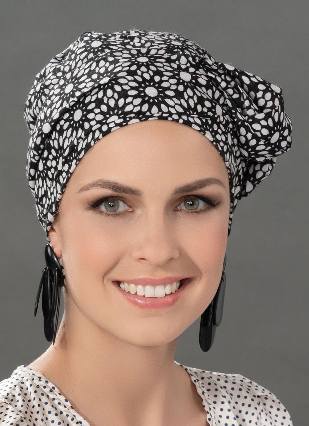 Ellen Wille Kopfbedeckung: Paris